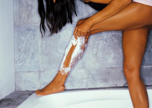 shaving-your-legs